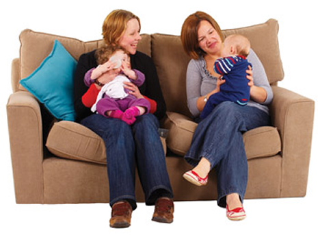 sofa_2_women_2_babies-web